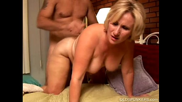 curvy mature blonde begs for nut tube